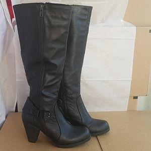 Crown Vintage Nancy black boots 8